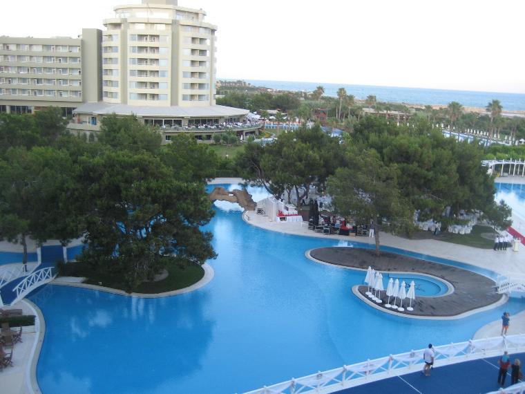 otelin havuzları oldukça hijyen