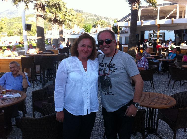 değerli sanatçı Sinan Erkoç verdiği konser öncesinde, sky barda bizimleydi...
