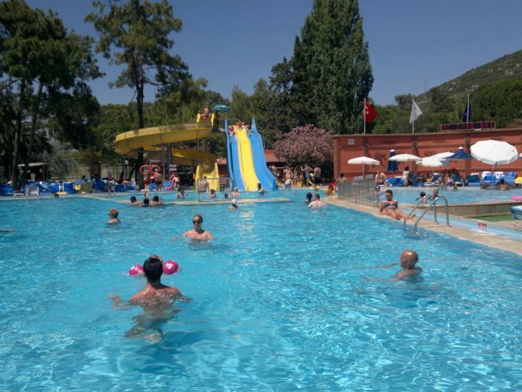 Eğlence havuzu...