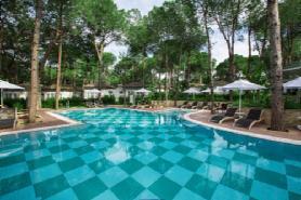 Jazar Lagoon Bar & Garden Lagoon Villas