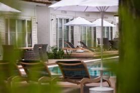 Lagoon Luxury Villa 2
