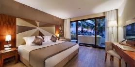 Royal Dublex Beachfront Villa - Parents Bedroom