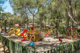 Crispy Mini Club-Playground