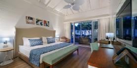 Lagoon Luxury Villa - Parents Bedroom