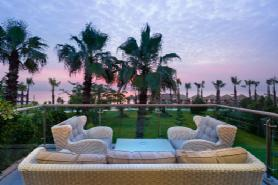 Royal Dublex Beachfront Villa - Terrace