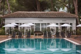 Lagoon Luxury Villa & Brahman Pool