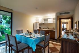 Royal Dublex Beachfront Villa - Dinning Room